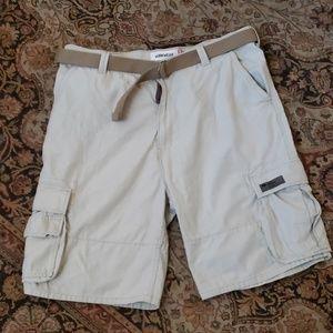 🆕 Men's Levi's workwear cargo shorts size 42